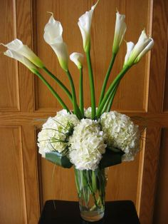 Large Calla Lilies, hydrangea, tea leaves, and lyropie!