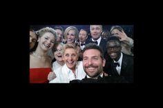 Selfie du siècle aux Oscars 2014 http://cinemablabla.wordpress.com/2014/03/10/revivez-les-oscars-2014-en-photos-et-videos/