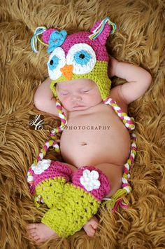 How cute is this? Crochet Baby Owl Hat and Leg Warmers