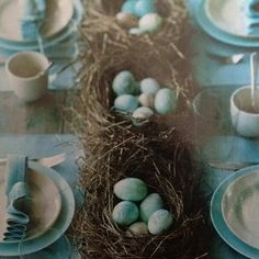 Easter table-table runner of nests