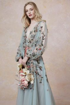 Marchesa Resort 2019 Fashion Show Collection: See the complete Marchesa Resort 2019 collection. Look 8