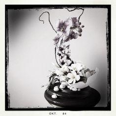 Oriental Inspired Sugar Flower Sculpture | flowers, bowl, stones, mount - ALL SUGAR!