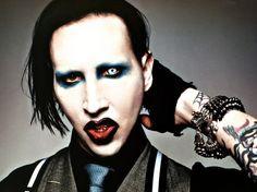 Culpar o Marylin Manson é o caminho mais fácil.