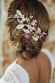 wedding hairstyle inspiration updo with bright accessory india tiarasytocados