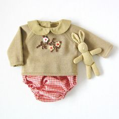 Knitted sweater with diaper cover in camel and red. 100% wool. READY TO SHIP in size newborn.