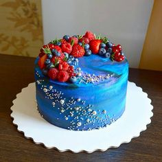 @Regrann from @daryasemenenko - Торт в стиле - космос! Огромное количество дизайнов на эту тему я видела у кондитеров, но у каждого получается свой космос - не похожий на других, мой в том числе За последние две недели я не испекла ни одного шоколадного торта, все заказывают ванильный, красный бархат и морковный Народ к лету готовится что ли? _______________________________________________________#cake#cakes#cakepops#candy#candybar#cupcakes#wedding#weddingcake#weddingday#berry#ber...