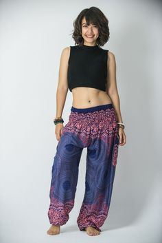 Shop the versatile indie skirts, harem and sarouel pant for the fun festival events. Completing your high street style with fun lagenlook maxi skirts or boho fashion pants. Comfy casual look for summer and spring season you will need. Boho Fashion, Womens Fashion, Fashion Scarves, Bohemian Style, Cool Outfits, Pants For Women, Trousers Women, Couture, My Style