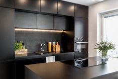 avokeittiö malleja - Google-haku Log Homes, Ikea, Sweet Home, Shelves, Interior, Kitchen, Room, House, Design