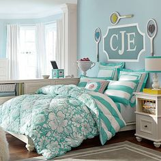 Chelsea Platform Bed #pbteen Love the desk placement- never would have thought of it but it works so well!