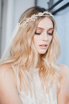 Fearless Authentic bridal hairstyle and accessory hairpiece inspiration ideas for a bride-to-be MABEL - boho wedding veil Boho Wedding Hair, Headpiece Wedding, Wedding Hair Pieces, Wedding Veil, Bridal Headpieces, Wedding Dresses, Bridal Beauty, Wedding Beauty, Bridal Makeup