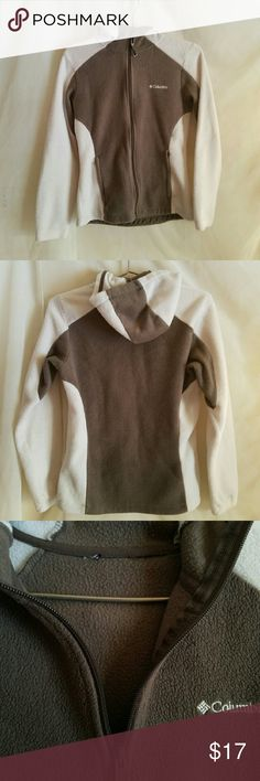 EUC! COLUMBIA CREAM/BROWN FLEECE ZIP UP HOODIE *ONLY FLAW is missing tag shown in 3rd pic. - it was really itchy..  *SIZE small* No piling or fading nor stains.  Full zip up with pockets Columbia Sweaters