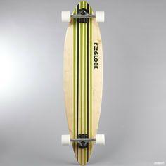 Globe longboard valmistettu 8-kerroksisesta kanadan  vaahterasta. Screenpainatus laudan alapuolella.