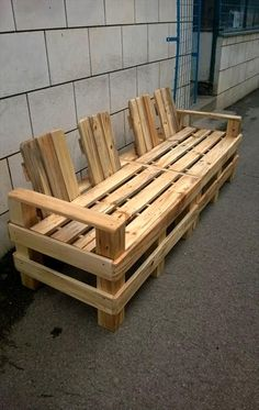 4 Seater Pallet Outdoor Bench or Sofa   Pallet Furniture