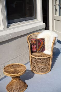 cool-rattan-furniture-pieces-for-indoors-and-outdoors- 26