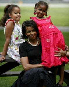 First Lady Michelle Obama and Daughters #gotitfrommymama