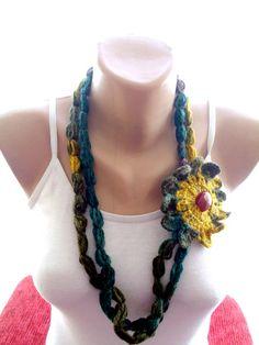 Crochet+lariat+scarf,+crochet+flowered+scarf++from+bigsweetheart+by+DaWanda.com