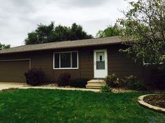 Just listed in Sioux Falls, SD! 3 bed, 2 bath ranch home with large back yard and oversized garage! #siouxfallsbesthomes