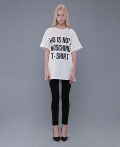 MOSCHINO T-SHIRT FASHION SHOW - Google 검색 Moschino, Shirt Style, Fashion Show, Google, T Shirt, Women, Wedding, Supreme T Shirt, Tee Shirt