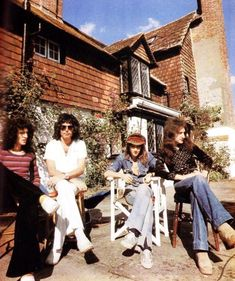 "Queen on the Ridge Farm, Surrey, ""Queen spent about a month rehearsing here before recording night at the opera. Brian May, John Deacon, Queen Photos, Queen Pictures, Queen Freddie Mercury, I Am A Queen, Save The Queen, Hard Rock, Classic Rock Bands"