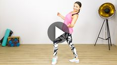 Latin Dance Workout: This hot cardio workout puts you in a good mood! - This cardio-latin dance workout will really heat up your fitness. Cardio Training, Best Cardio Workout, Workout Humor, Easy Workouts, Workout Challenge, Workout Videos, Fitness Herausforderungen, Sport Fitness, Aerobics Classes