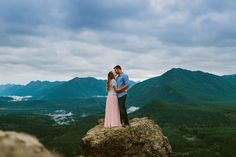 Seattle WA Rattlesnake Ledge Engagement Photos Couple Kissing