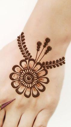 Circle Mehndi Designs, All Mehndi Design, Henna Flower Designs, Finger Henna Designs, Back Hand Mehndi Designs, Stylish Mehndi Designs, Mehndi Designs 2018, Mehndi Designs Book, Mehndi Designs For Girls