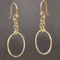 Nouveau 212 Hammered circle hoops on chain