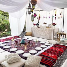 Eid is coming up which reminded me of how much I miss Ramadan so here s a tb of the perfect iftar set up Like wow Masha Allah Mubarak Ramadan, Ramadan Gifts, Ramadan Food Iftar, Eid Food, Iftar Party, Eid Party, Decoraciones Ramadan, Moroccan Party, Party