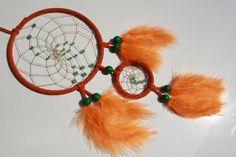Orangefarbener Traumfänger mit grünem Aventurin von TRAUMnetz.com     ** DReamcatcher u.v.m.  ** auf DaWanda.com
