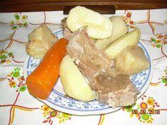 Recept: Rinflajs by Mira Vujić Kada ste supu skuvali i procedili, izvadite kuvano meso, krompir, zelen i celer pa lepo slozite na tanjir (le...