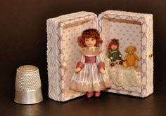 Amelia Treasure Doll Trunk by Diane Yunnie