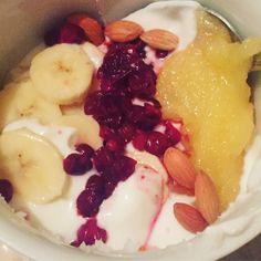 #yogurt #coconut_oil_health #banana #cranberry #honey #seeds Yogurt, Coconut Oil, Panna Cotta, Seeds, Honey, Banana, Breakfast, Simple, Healthy