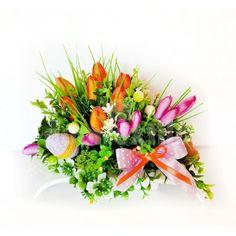 Veľká noc je za rohom a s ňou prichádza aj jarné obdobie. Vyzdobte si svoju domácnosť krásnymi dekoráciami z našej ponuky. Stačí si vybrať a nakupovať. Floral Wreath, Wreaths, Table Decorations, Home Decor, Floral Crown, Decoration Home, Door Wreaths, Room Decor, Deco Mesh Wreaths
