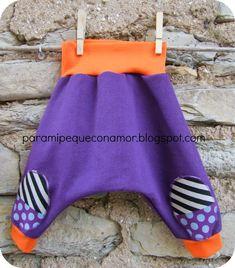 Allá vamos con el tutorial para hacer este tipo de pantalones, super sencillos, muy cómodos y sobre todo para los más pequeños cuando ll...