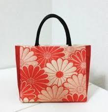「帯 リメーク」の画像検索結果 Japan Bag, Harajuku Girls, Kimono Fabric, Basket Bag, Kawaii Cute, Kimono Fashion, Japanese Fashion, Purses And Bags, Sewing Projects