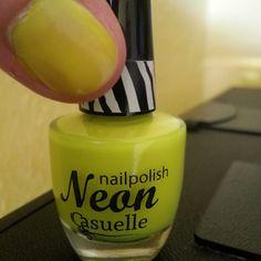 Casuelle Nailpolish: Neon Yellow