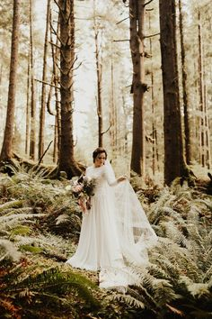 Vintage-Inspired Cannon Beach Wedding with Evergreen Details