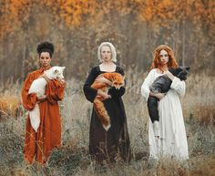 Clevyr Creatures · 31 October · A trio of witches and their familiars? Quite literally the coolest fox photo ever. The longer you look the cooler it gets Credit: Photographer Anastasiya Dobrovolskaya Van Yo Foto Fantasy, Foto Pose, Jolie Photo, Character Inspiration, Beautiful People, Beautiful Ocean, Beautiful Pictures, Art Photography, Portraits