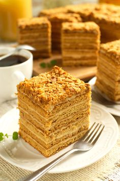 Marlenka Beer Bread, Honey Cake, Food Articles, Dream Cake, Kielbasa, Russian Recipes, Vanilla Cake, Sweet Recipes, Gastronomia