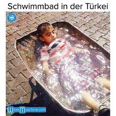 Schwimmbad in der Türkei - Türkenwitze - Lustiges Kind