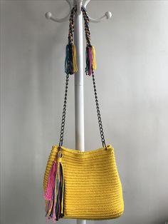 Bucket Bag, Bags, Fashion, Crochet Pouch, Purses, Fashion Styles, Pouch Bag, Totes, Lv Bags