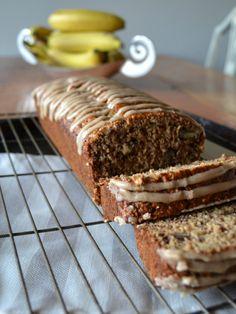 Walnut Banana Bread with Cinnamon Glaze Cinnamon Banana Bread, I Foods, Glaze, Healthy Living, Posts, Baking, Easy, Desserts, Blog
