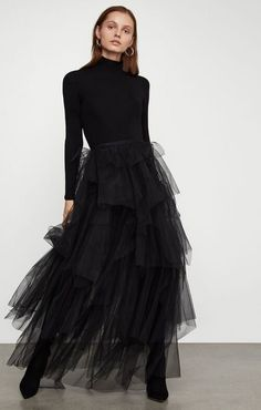 Black tulle skirt outfit looks glam on any woman. Or rather black makes any woman look and feel sexy. Yellow can be for summer and pink for spring, but black is for all seasons, for looking good an… Black Tulle Skirt Outfit, Tulle Mini Skirt, Long Skirt Outfits, Tulle Skirts, Black Maxi, Blue Outfits, Cocktail Gowns, Elegant Outfit, The Dress