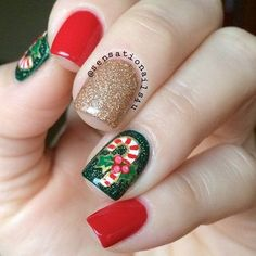 Festive Christmas Nail Designs for An outstanding Christmas nail art can help you get into the Christmas spirit.Hopefully you will find yours from this list and make you stand out this season. Christmas Gel Nails, Holiday Nails, Christmas Candy, Cute Nails, Pretty Nails, Nail Art Noel, Candy Cane Nails, Candy Canes, Beauty Hacks Nails
