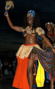 VOODOO FESTIVAL DES DIVINITES NOIRES | Flickr - Photo Sharing!. By Acofin TOGO FESTIVAL DAS DIVINDADES NEGRAS La danse de l'amour par le BALE FOLCLORICO DE BAHIA (BRASIL) à ANEHO (TOGO).