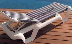 Ghế nằm cho bể bơi