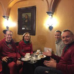 С Леной и Сашей @alexcheban в старейшем французском кафе Киото #монализа #киото #япония #кофе #кофекофе #мидокоро #кафе