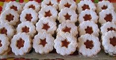Sladké maškrty Archives - Page 12 of 123 - Recepty od babky Krispie Treats, Rice Krispies, Christmas Cookies, Sweets, Desserts, Food, Christmas Recipes, Basket, Mascarpone