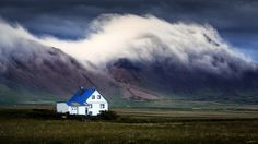 Blue roof by Sus Bogaerts #xemtvhay