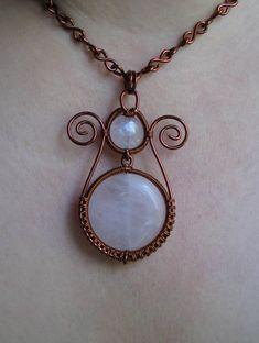 http://wigglywiresen.files.wordpress.com/2011/08/tulip-pendant-back.jpg